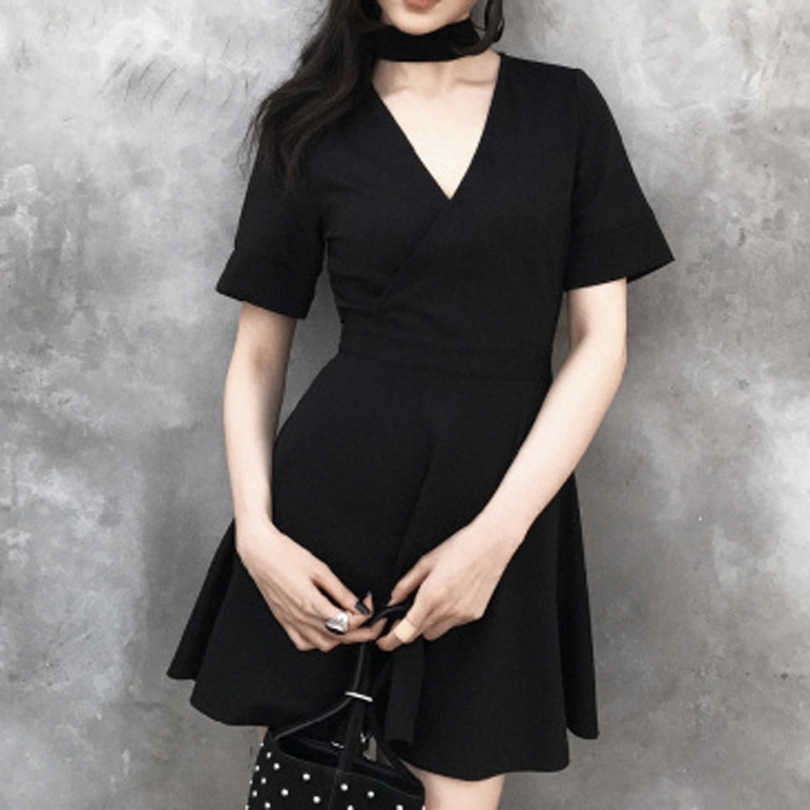 Été gothique Rock Punk Mini robes pour les femmes dos nu profond col en V Sexy robes à manches courtes robe noire filles