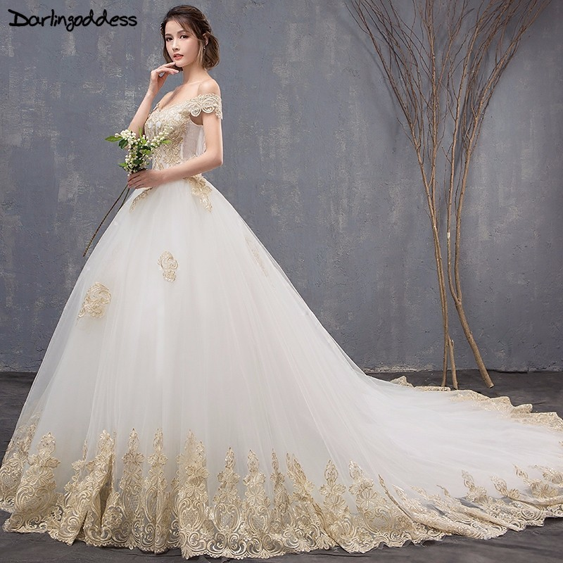 36f22f3d7a28 Vestido de Noiva Luxury Gold Lace Wedding Dresses 2018 Ball Gown Cap Sleeve Long  Tail Wedding Dresses Elegant Muslim Bridal Gown
