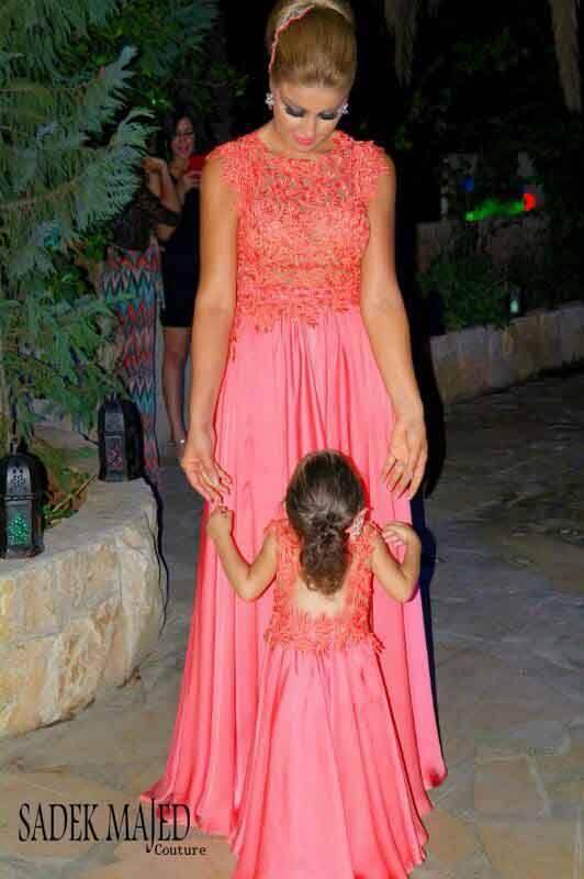 Elegante de la madre hija juego vestido cap mangas appliques rojo ...