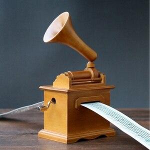 Image 4 - Sıcak kendi başına yap kağıdı bant müzik kutuları ahşap el krank fonograf müzik kutusu ahşap el sanatları Retro doğum günü hediyesi eski ev