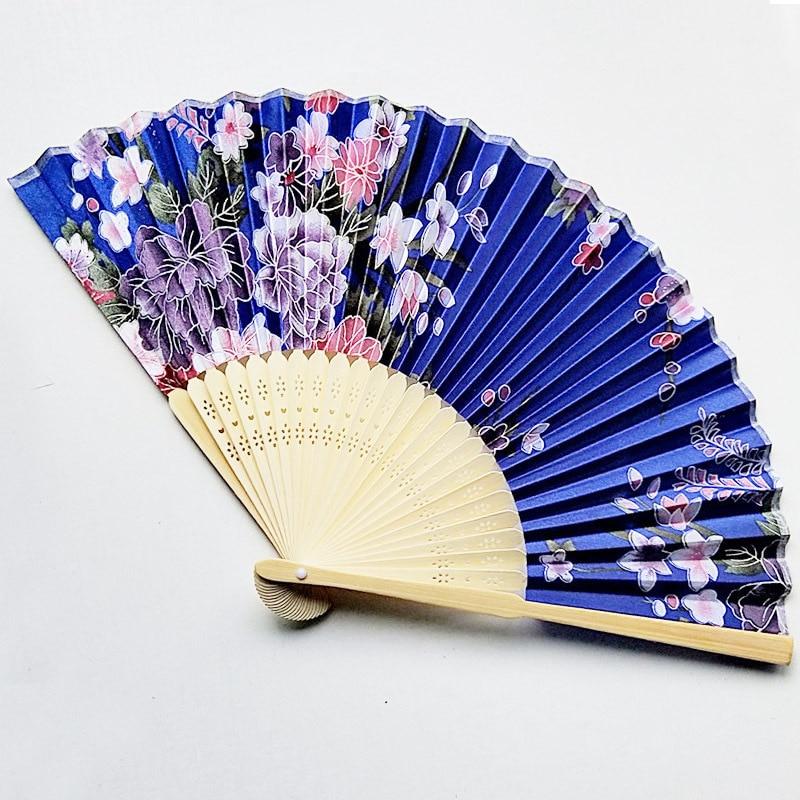 50 stks Zijde Bruiloft Fan, Japanse Vouwen Hand Ventilator, Chinese Dance Fans, Gepersonaliseerde Bruiloft Douche Gift, aangepaste Bruiloft Souvenir-in Feest bedankjes van Huis & Tuin op  Groep 3