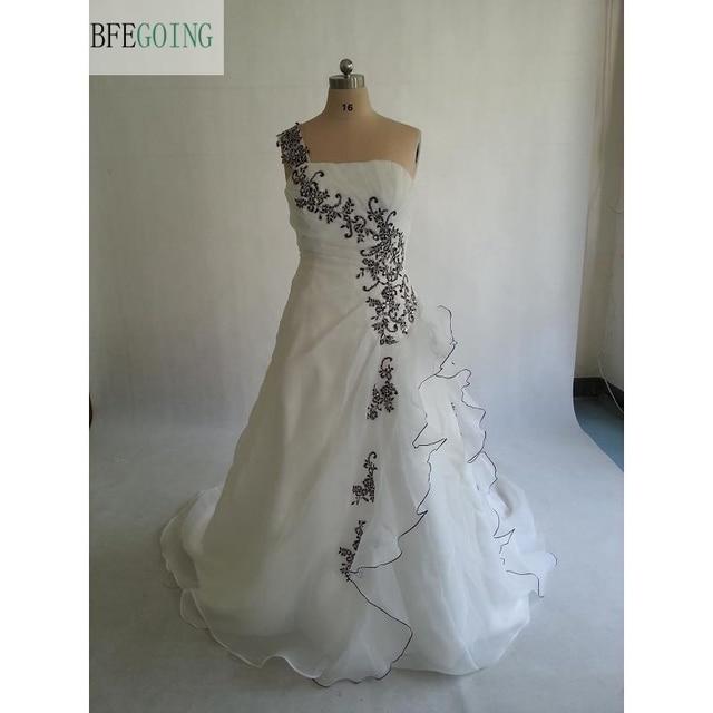 organza blanco negro apliques a line vestido de novia corte tren sin