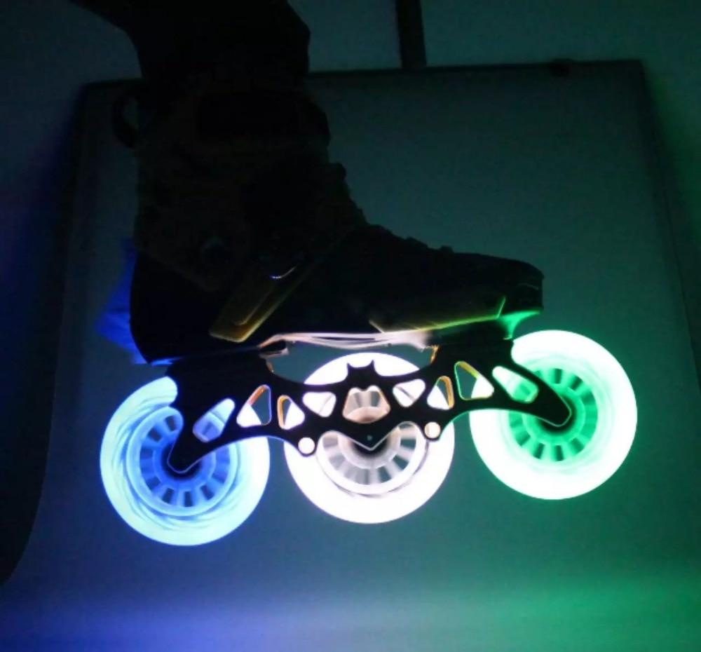 Prix pour LED Flash Vitesse des Roues De Skate 8 Pcs/Lot 100% D'origine 85A 90 100 110 Vitesse De Patinage Roues LED Lumière Livraison Gratuite