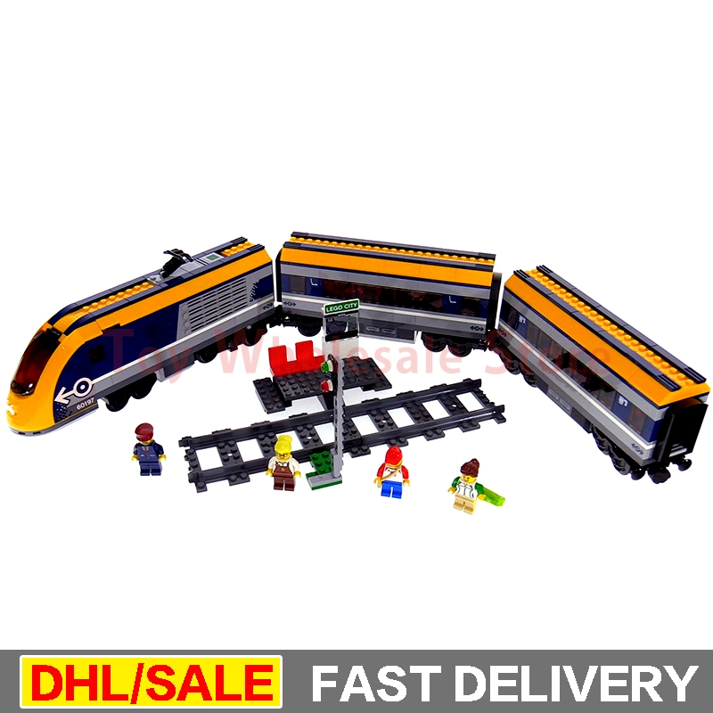 Lepin 02117 City Series The Legoingly 60197 Passenger Train Set Building Blocks Bricks Car Model Boys Toys New Christmas Gifts lepin 02112 new city series the arctic supply plane set 60196 building blocks bricks legoinglys toys model boy christmas gifts