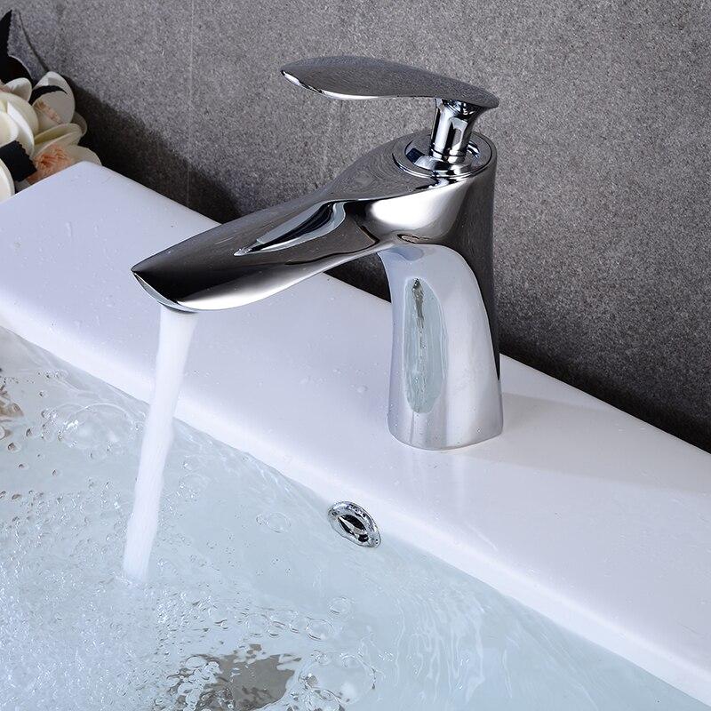 Robinets de bassin moderne salle de bains mitigeur robinet eau chaude et froide bassin mitigeur robinet Chrome finition laiton wc évier eau grue