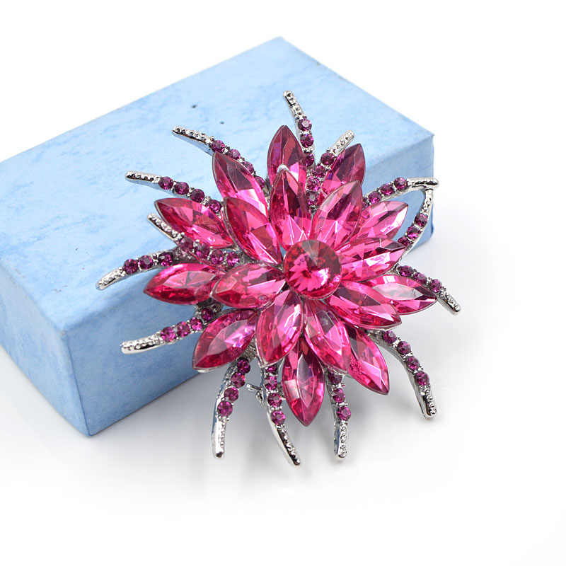 シンディ XIANG 紫色クリスタルの花のブローチ亜鉛合金ブローチピンのファッションジュエリードレスコート Broches 宝石類