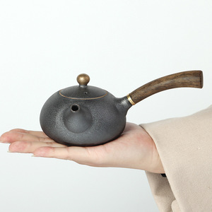 Image 2 - PINNY New Design Japanese Style Teapots Ceramic Wood Handle Kung Fu Tea Sets Porcelain Ceramic Kettle Vintage Tea Service