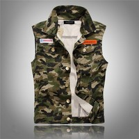 Camouflage Vest Men Sleeveless Denim Jacket 2017 New Garment Washed Camo Pattern Jean Jackets Embroidery Badges