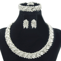 New Italian Fashion Bridal Party Jewelry Dubai Crystal Design Necklace Earrings Bracelet Women Silver Jewelry Set
