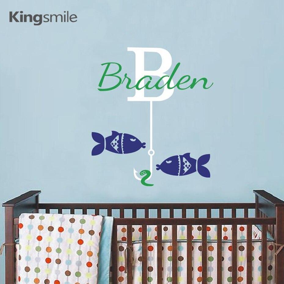 e5312b3679d Pesca Monogram Personalizzata Nome Iniziale Della Parete Del Vinile  Autoadesivi Smontabili Delle Decalcomanie Wall Sticker per Nursery per  Bambini Camere ...