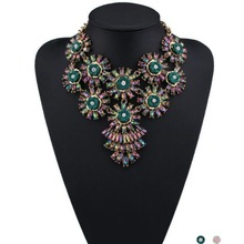 Trendy Colorful Crystal Flower Statement Necklace for Women Charms Choker Necklace Pendant Maxi Necklaces Jewelry