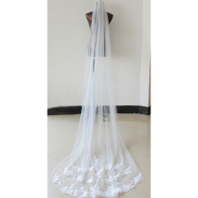 ZUOYITING Wedding Accessories Appliques Tulle Long Cathedral Wedding Veil Lace Edge Bridal Veil with Comb veu de noiva long