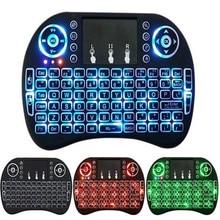 7 色バックライト i8 ミニワイヤレスキーボード 2.4ghz 英語ロシア 3 色エアマウスのタッチパッドリモコンでアンドロイドテレビボックス