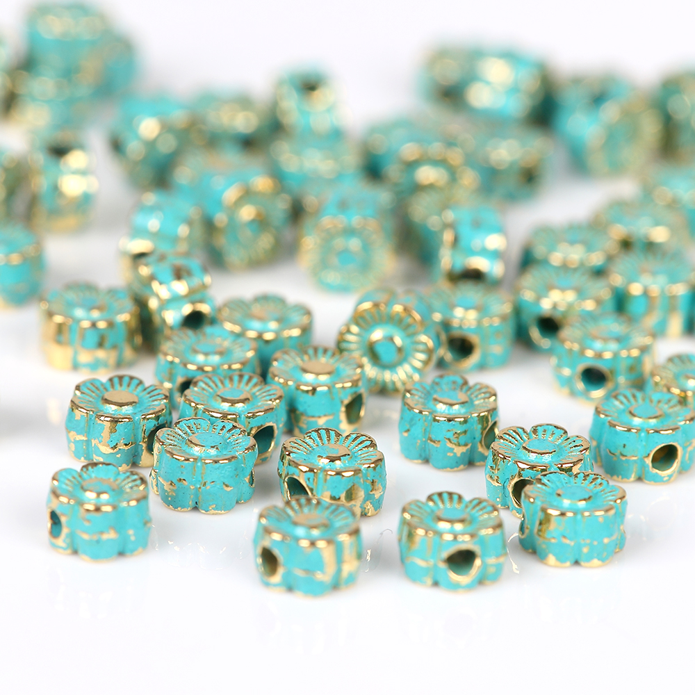 Jewelry diy 50pcs alloy Vintage Bronze Verdigris flower Beads European Charms Pendant Bracelet necklace earrings Findings pair of vintage alloy emboss beads triangle earrings for women