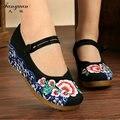 2017 Весна Женщины Моды Обувь Китайский Стиль Случайные Ткань Обувь Плоская Платформа Леди Вышивка Толстым Дном Мэри Джейн Обувь