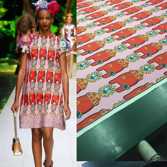 2018 new spring and summer women's printed fabrics European and American show fashion models women's dresses featuring printed