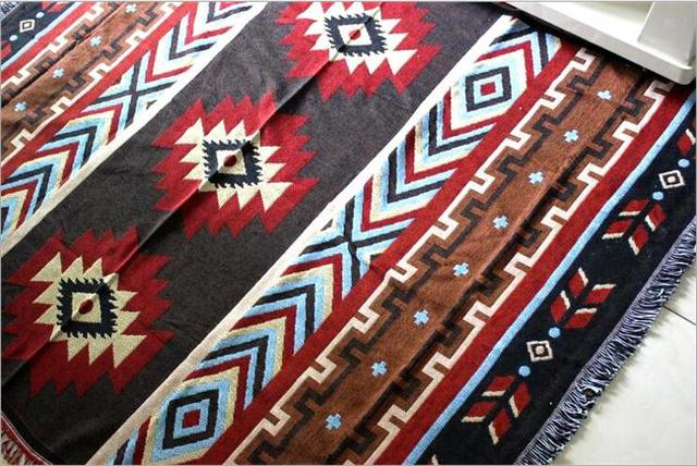 Kilim Sofa Blanket – Geometric Pattern – Red