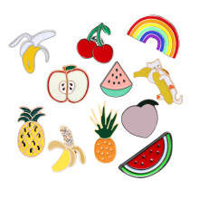 Cartone animato di Frutta Carino Spilla Arcobaleno Anguria apple Spille e apple Cherry Banana Smalto Spilli Giubbotti Risvolto Spille Distintivo per le Donne gioielli(China)