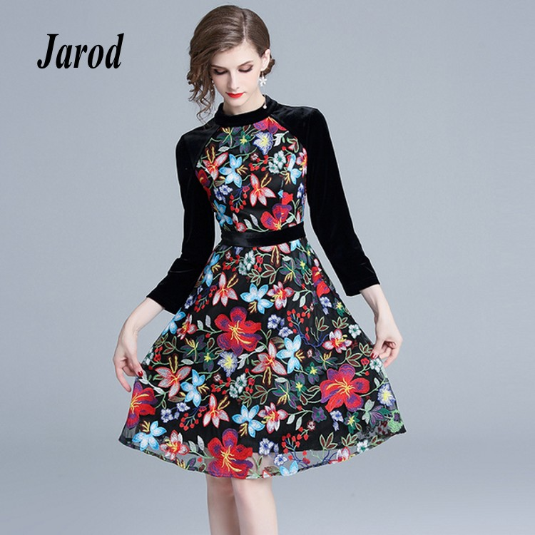 2018 Runway Autumn Winter Women Party Dress Vintage Wrist Sleeve Velvet Patchwork Mesh Floral Embroidery Dress Vestidos