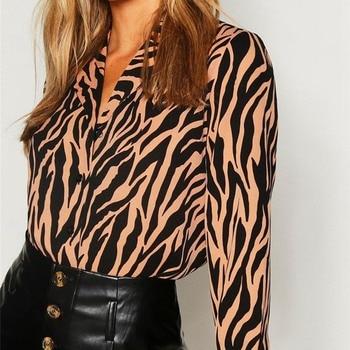 Blusa de leopardo de manga larga con cuello en V para mujer