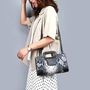 Image 4 - Classic Ladies Handbag Snake Printing High Quality Leather Ladies Crossbody Bag 2019 Luxurious Brand Women Shoulder Bag Tote