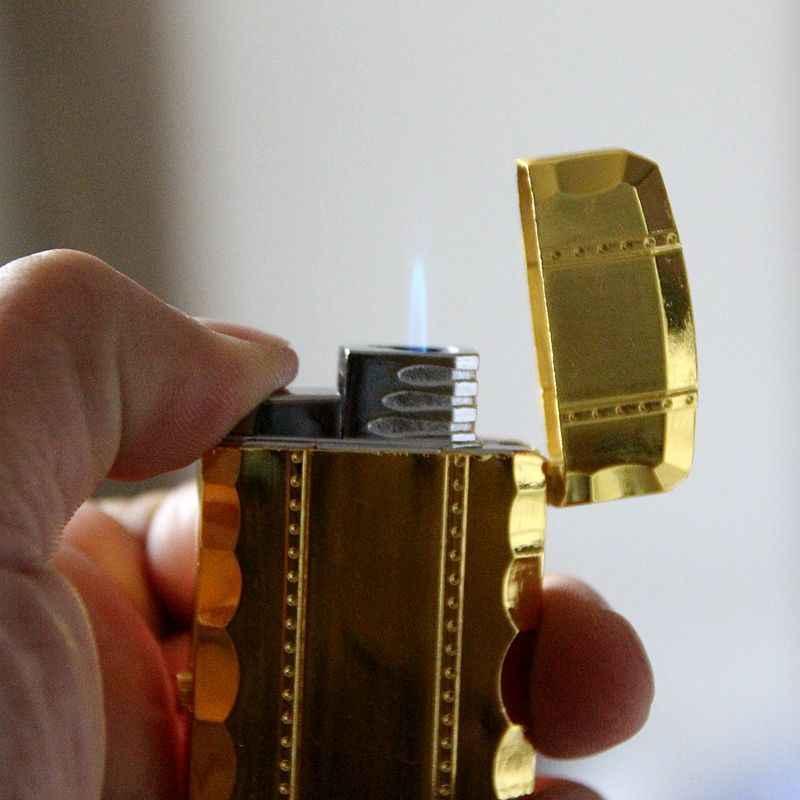ブタンジェットライター時計トーチターボライター男性ゴールド腕時計クォーツコンパクトブタンたばこシガーストレート火災ライターなしガス