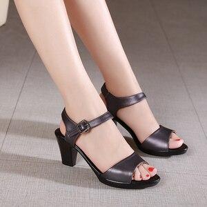 Image 2 - GKTINOO جديد المفتوحة تو صنادل جلد طبيعي النساء أحذية عالية الكعب الصنادل الأنيقة أزياء أحذية غير رسمية النساء الصنادل حجم كبير
