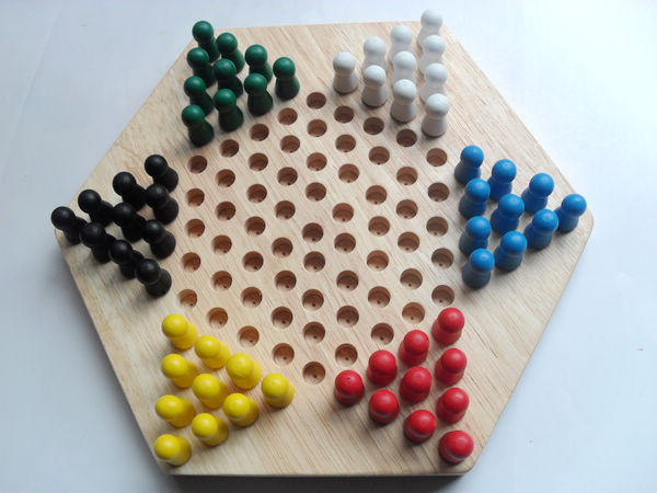 High-quality wooden toys wooden c hess puzzle che ss hexagonal Chinese checkers with birch ...