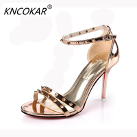 European Stand Sexy Rivets With A Pair Of Button Down Women Sandals New 2017 Summer Fashion