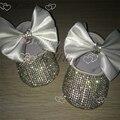 Bling Branco bow Lantejoulas Cadeia Artesanal de cristal sapatos de bebê batizado batismo ETSY fornecedor personalizado para o comprador