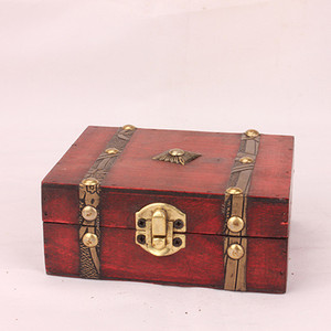 European Retro Box Simple Jewelry Box Vintage Wood Handmade Box With Mini Metal Lock For Storing Jewelry Treasure Pearl