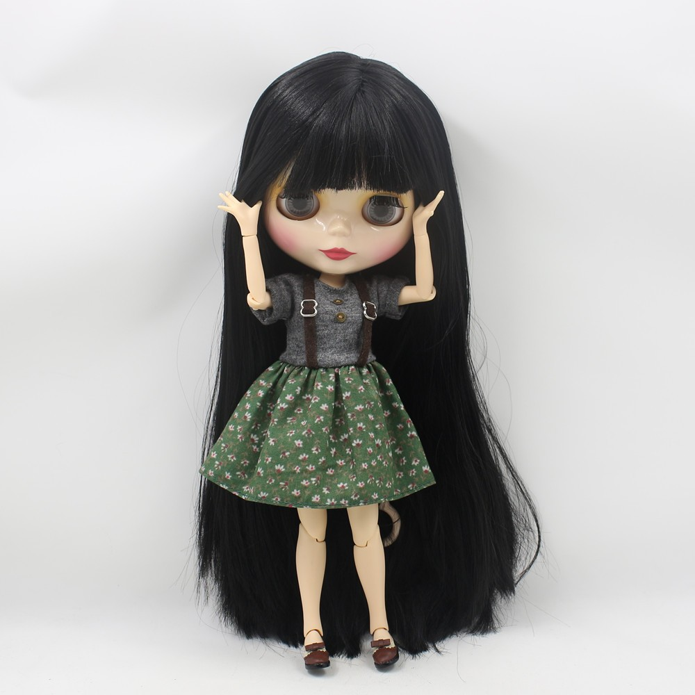 Neo Blythe Doll with Black Hair, White Skin, Shiny Face & Jointed Body 3