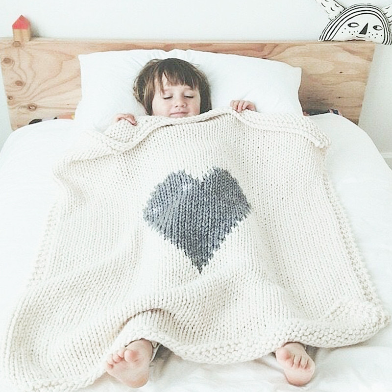 Heart shaped Knitted Baby Blankets Newborn Toddlers Warm Wrap Swaddle Soft Woolen Blankets Kids Cart Cover Bedding Quilt