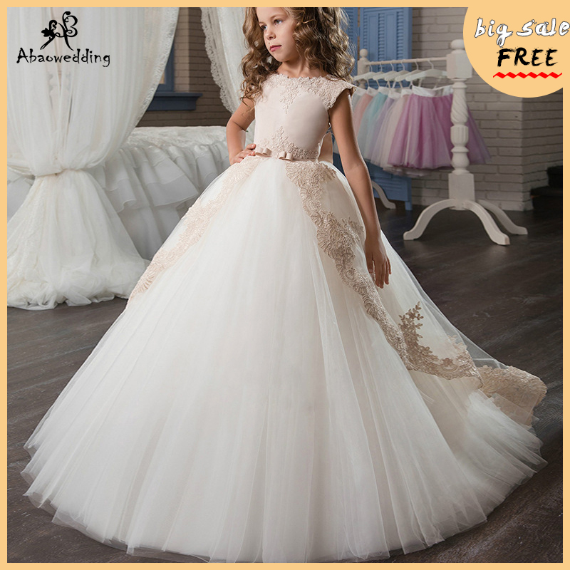 Stunning First Holy Communion Dresses 2018 Champagne Flower Girls Dresses Long Kids Tulle Ball Gowns Girls