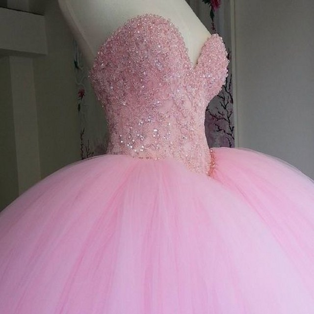 Fuffy Ball Gown Pink Quinceanera Dresses Long Sweetheart Appliques Beaded Vestidos De 15 Anos Shiny Prom Dress For Girls 2017