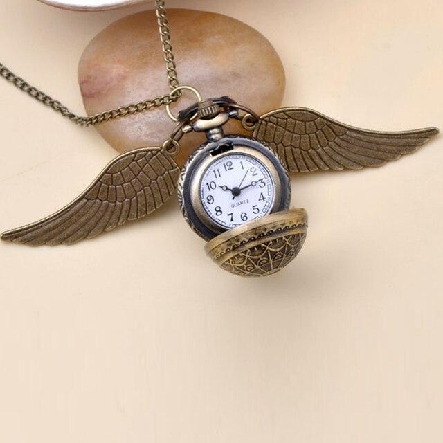 https://ae01.alicdn.com/kf/HTB1K1pALXXXXXauXFXXq6xXFXXXV/Hp-snitch-alas-de-joyer-a-de-moda-encanto-de-la-vendimia-de-cuarzo-reloj-de.jpg_640x640.jpg