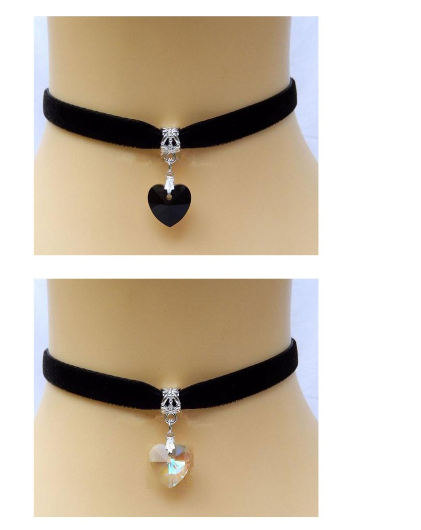 f71e34601b2c Heart Crystal Victorian Choker Necklace Goth Vintage Gothic Velvet Chokers  Multi Color Pendant Chocker For Women Jewelry