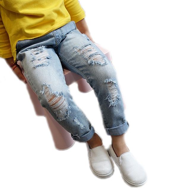 2016 Meninas Do Bebê Roupas longas Meninas Buraco Calças Jeans Da Moda Outono crianças Calças Menino Rasgado Calças Jeans Menina para 2-7 T Crianças Calças