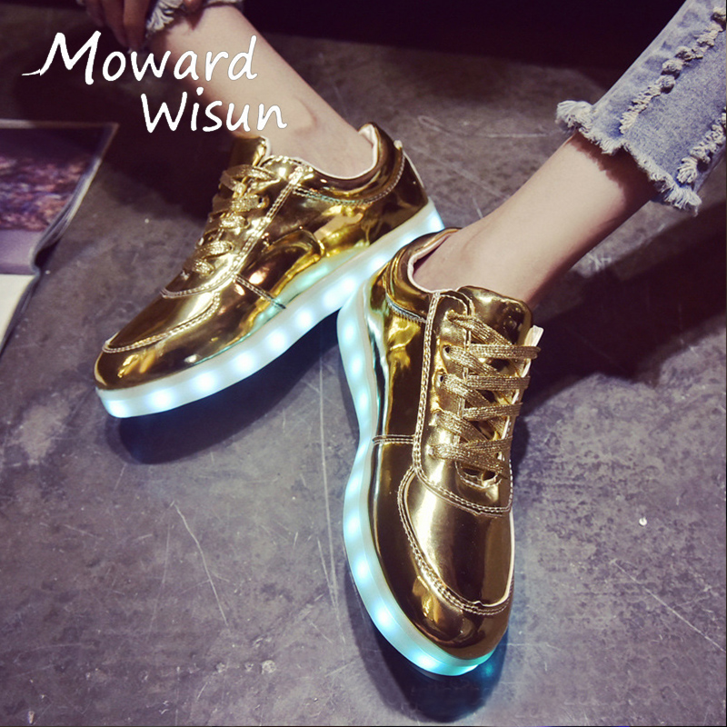 Fashion Glowing Sneakers with Light Sole Kids Shoes Luminous Sneakers Shoes Boys Girls Do Infantil Basket Femme LED Slippers 35