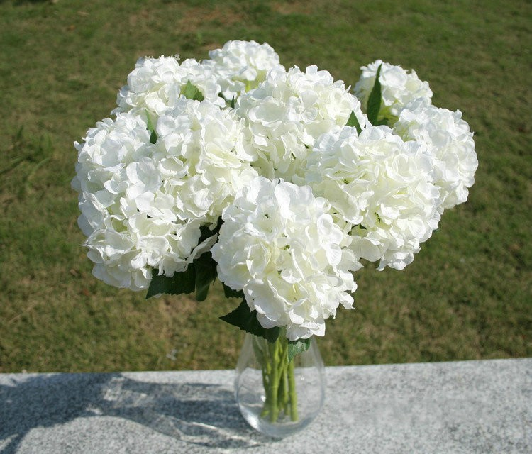 Wedding White Hydrangea: Elegant White Hydrangea Artificial Silk Flower Craft For