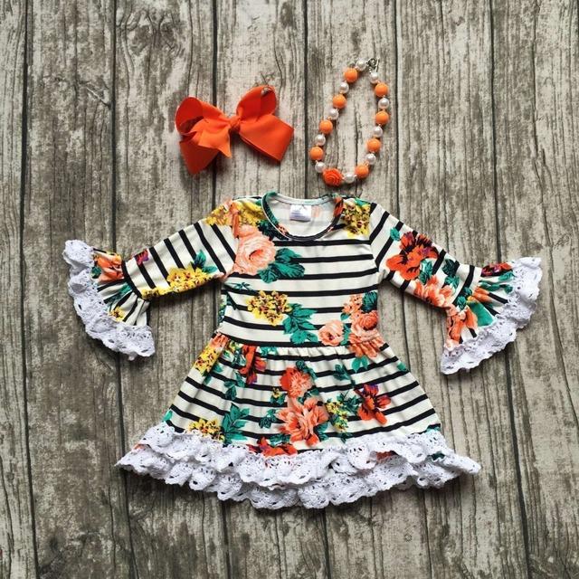 2016 niñas ropa bebé niños Otoño Invierno cordón de la impresión floral vestido de rayas de manga larga boutique con collar a juego y el arco conjunto
