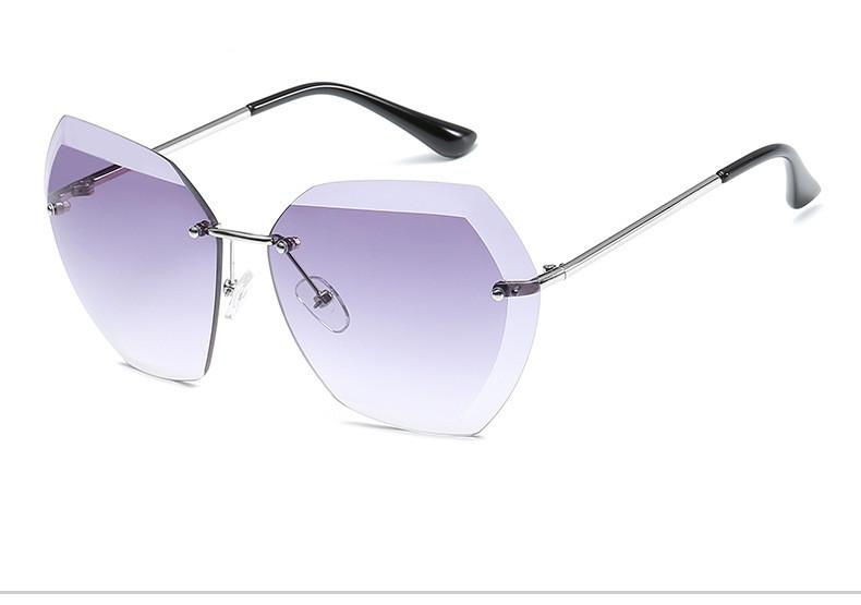 Luxo Sem Aro Do Vintage óculos De Sol Das Mulheres Designer de Marca  Oversized Retro Feminino Óculos De Sol Óculos De Sol Para As Mulheres  Senhora Sunglass ... 8f0e3a08cf