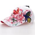 2016 de Moda de Verano Bordado de La Flor y de La Mariposa Tapas de Buena Calidad de Algodón Blanco de las Mujeres Gorras de Béisbol Ocasional Sombrero Agradable SY570