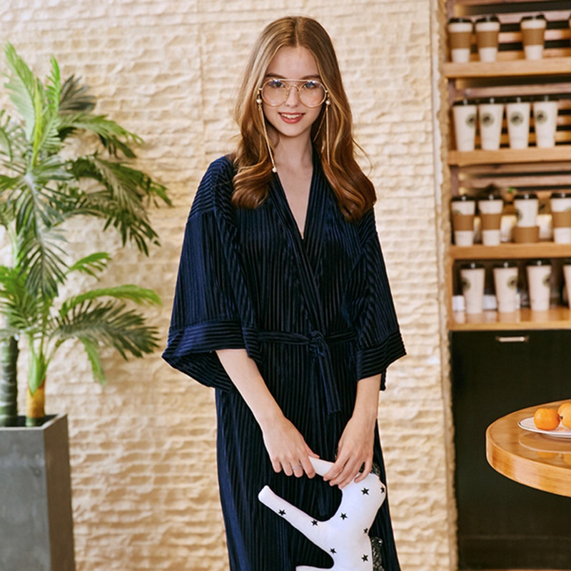 Autumn velvet Bride robe Long Sleeve Robe Women Bathrobes Sexy Bridesmaid Robes femme Lingerie Home Clothing Sleepwear