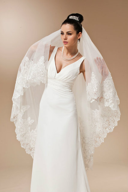 2015 New Luxury Applique Lace Sequins Edge Wedding Veils One-layer Bridal Veil Charming Wedding Accessories R007