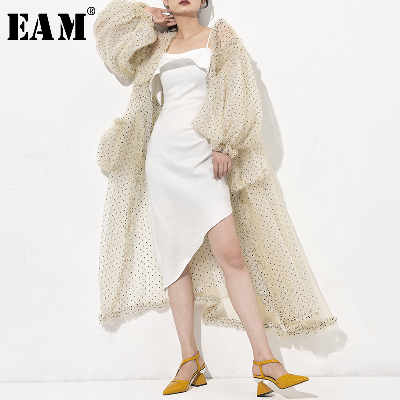 [EAM] 2020 New Spring Autumn V-collar Long Sleeve Beige Dot Printed Mesh Long Big Size Windbreaker Women Trench Fashion WE92