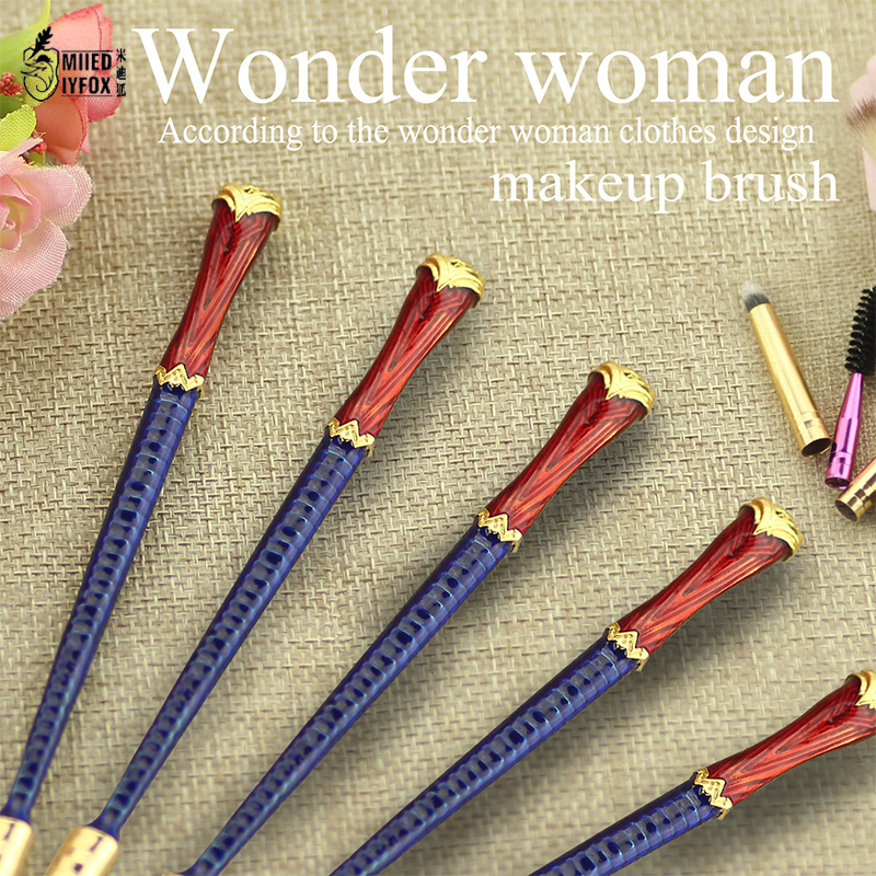 2017 movie jewelry Wonder woman According to the clothing design Beauty makeup/cosmetic brush Metal women gifts wonder woman the golden age omnibus vol 1