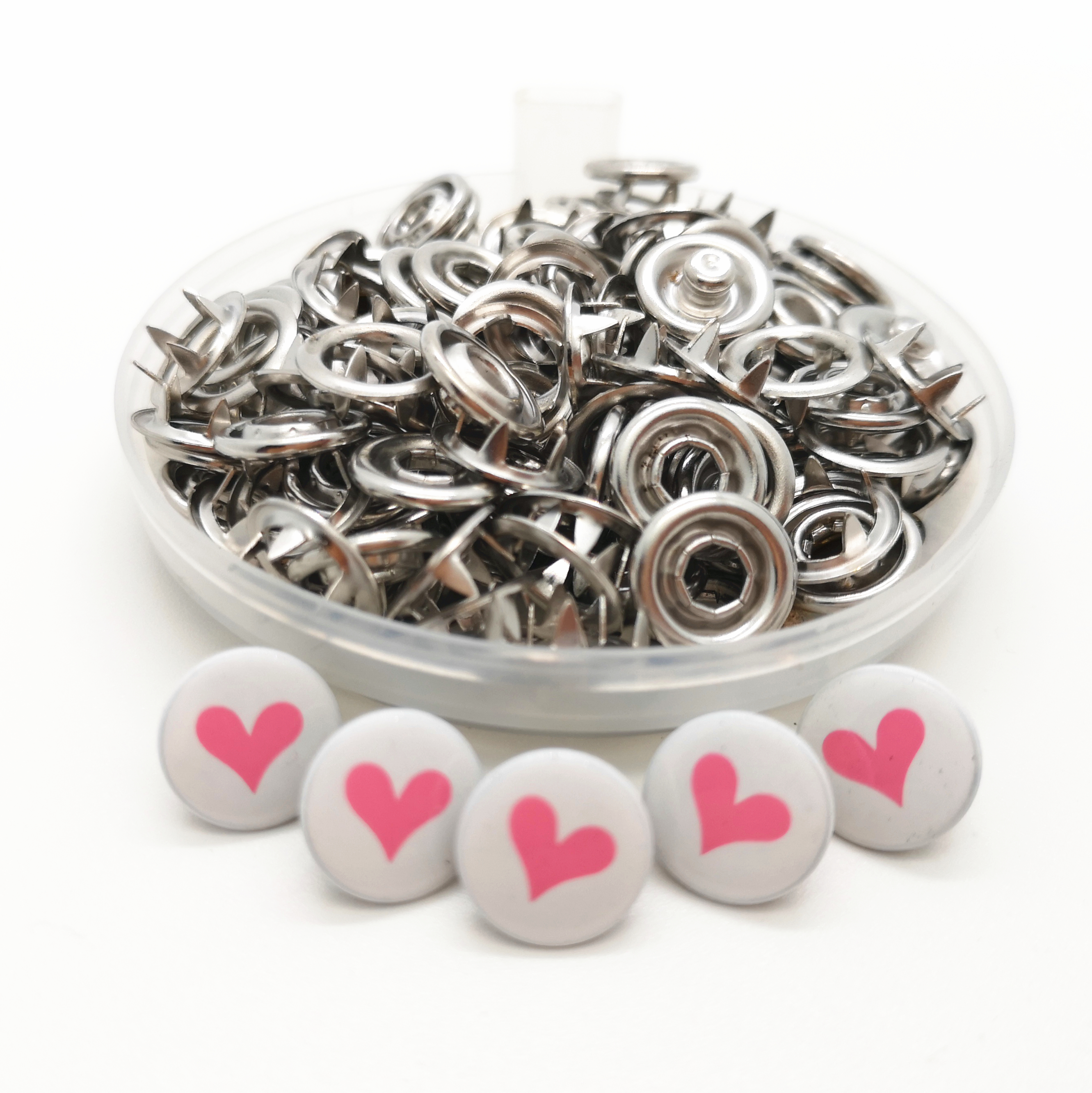 50 or 100 Wedding decoration or Baby//Chldren/'s White Heart Buttons 12mm x 11mm