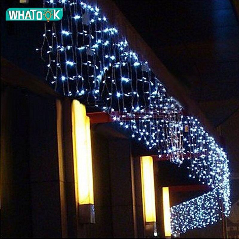 Luz llevada de la Navidad al aire libre de hielo cortina cadena luces fiesta decoración ventana pared de la casa de noche iluminación interior