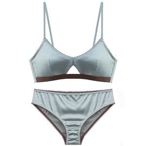 Image 3 - TERMEZY Neue Frauen Unterwäsche Draht Freies satin bh dünne 3/4 tassen Bh und Panty Set Hohl Dessous Frauen Büstenhalter Bralette